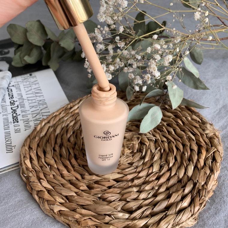 Oriflame Giordani Gold Liquid Silk Foundation
